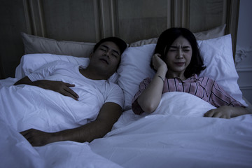 Couples with family activities, wife insomnia because of snoring husband.