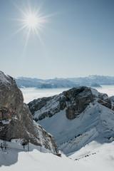 Schneelandschaft mit Sonne in der Schweiz Pilatus