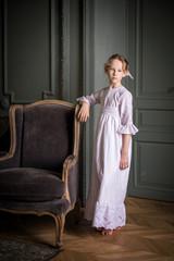 Девочка со старого фото