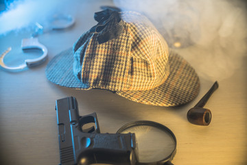 detective Holmes accessories for investigation and justice