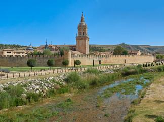 Vista del Paisaje de la Ciudad Villa Medieval de Burgo de Osma, Soria, España