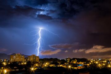 Tormenta electrica sobre la ciudad