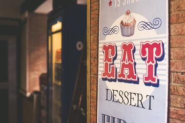 Plaque en métal vintage Eat dessert