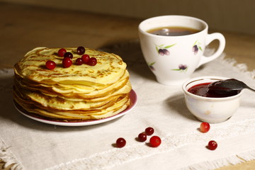 pancakes with tea and cranberries
