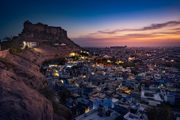 Fototapete - Mehrangarh Fort during sunset