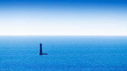 mer et phare sur l'île de Ré