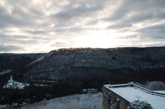 Hohen Urach bei Sonnenaufgang im Winter