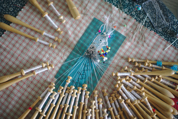 travail de dentellière aux fuseaux, artisanat