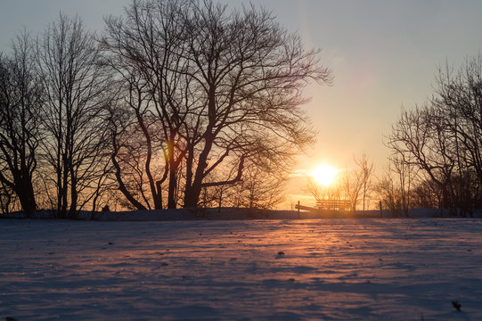 Sonnenaufgang auf der Schwäbischen Alb im Winter