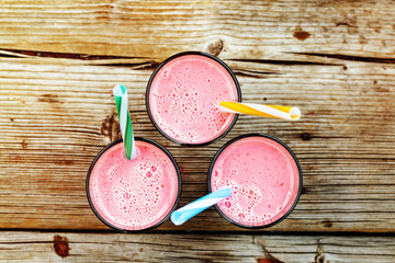 strawberry smoothies, ldetoks, milkshake, cocktail, drink, healthy, berry, smoothie, pink, fruit, healthy,