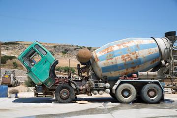 Vecchio camion betoniera