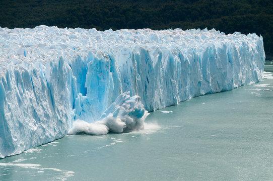 Ice Calving at the Perito Moreno Glacier