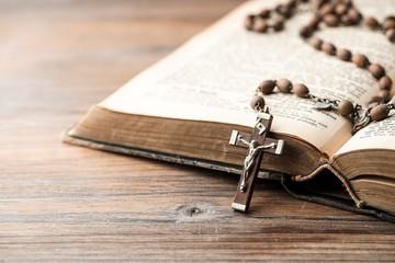 Bibel & Rosenkranz
