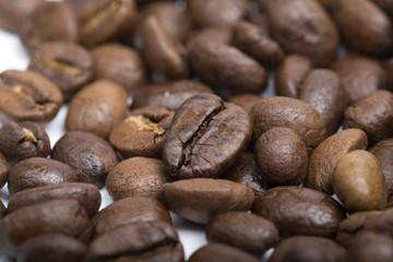 Зерна кофе крупным планом. Coffee grains close-up.