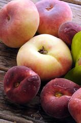 Prunus persica platycarpa Pesca tabacchiera فاكهة Saturn Peach バントウ كعب الغزال 蟠桃 platicarpa piatta