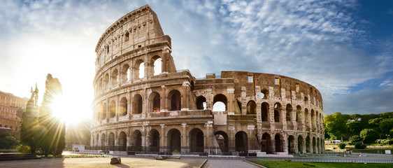 Foto auf AluDibond Rom Colosseum in Rome and morning sun, Italy