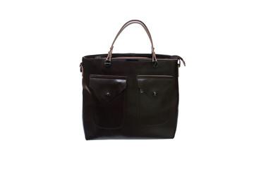 женская темная сумка на белом фоне.