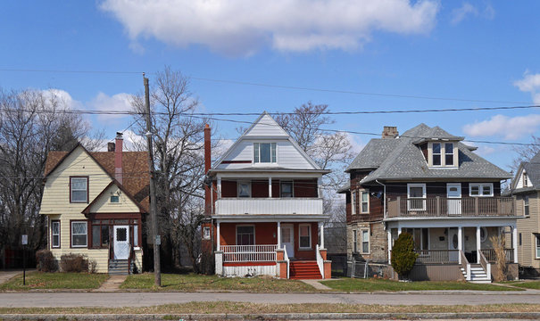 row of older houses in American suburb