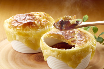 ポットパイ (beef stew potpie)