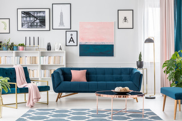 Living room with pink details