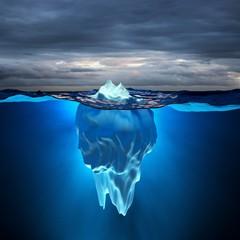 Schmelzende Pole / Eisberg bei Sturm