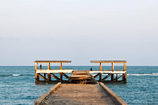 Fishing pier for fishing
