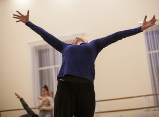 yong dancer - woman improvise. contemporary dance performing