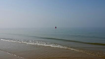 Wegweiser, Signal - Boje im Meer, Nordsee