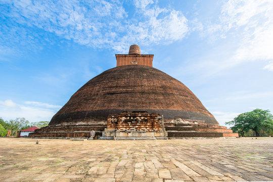Ancient City of Anuradhapura, Jetvanarama Dagoba, aka Jetvanaramaya Stupa, Cultural Triangle, Sri Lanka, Asia