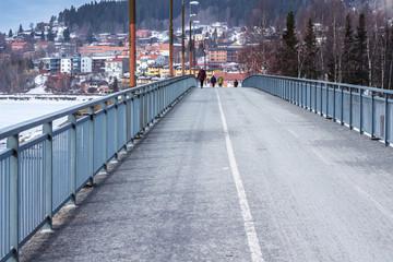 Most pieszo-rowerowy  na wyspę Frösö w Östersund