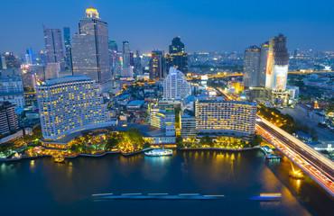 Fotobehang Kiev Bangkok city skyline at night.