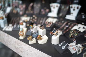jewelry - antique rings - accessories