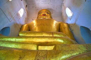 The gilded buddha in Bagan