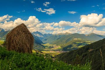 Schöner Blick über Olang in Südtirol ins Antholzer Tal_002