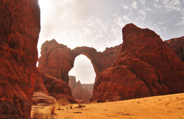 Photo sur Plexiglas Secheresse Arch of Aloba in desert of Ennedi, Chad