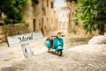 Schild 319 - Moral