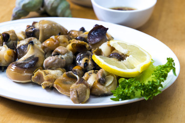 sea snails with lemon