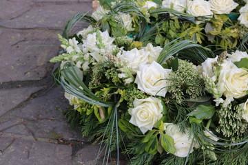 Blumenkranz zur Beerdigung