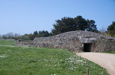 Dolmen (Hünengrab) aus der Steinzeit in Locmariaquer