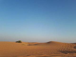Wüste in Dubai, kurz vor dem Sonnenuntergang