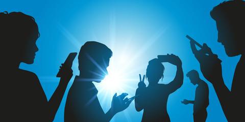 téléphone portable - smartphone - attitude - génération - jeune - addiction - message - selfi