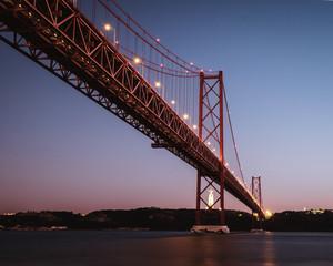 puente 25 de abril en Lisboa
