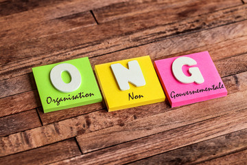 post-it acronyme : ONG