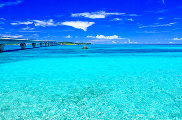Poster Turquoise 真夏の宮古島。宮古島側から見た池間大橋