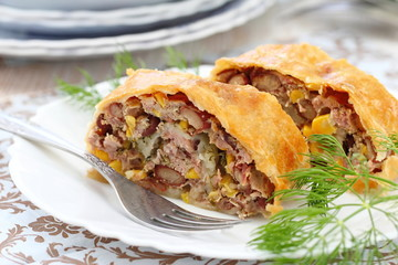 Meat pie with haricot and sweet corn