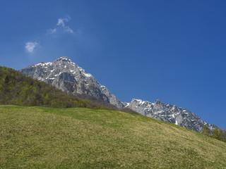 Grigna e la sua valle ( Valsassina )