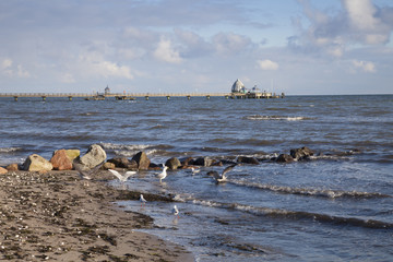 Strand und Seebrücke, Ostseebad Grömitz, Lübecker Bucht,  Schleswig-Holstein, Deutschland