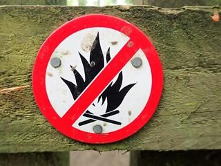 No fires sign, Philipshill Wood, Chorleywood