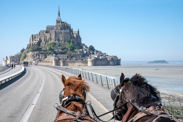 Départ en maringote pour le Mont Saint Michel