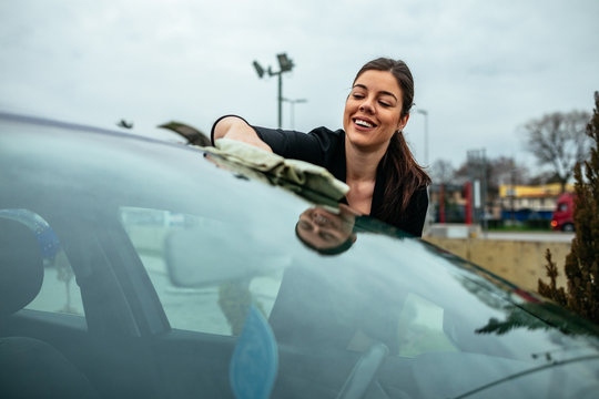 Polishing the windshield
